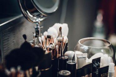 Manfaatkan Kosmetik Kadaluwarsa Dengan Ini!