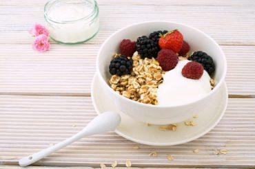 Manfaat Yogurt dan Cara Membuatnya